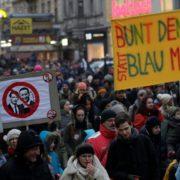 TISUĆE PROSVJEDNIKA NA ULICAMA BEČA 'Našu zemlju neće preuzeti ti novi fašisti!'