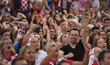 Zadar, 110718. Grad Zadar i Turisticka zajednica organizirali su gledanje utakmice polufinala Svjetskog nogometnog prvenstva Hrvatska - Engleska. Foto: Jure Miskovic / CROPIX