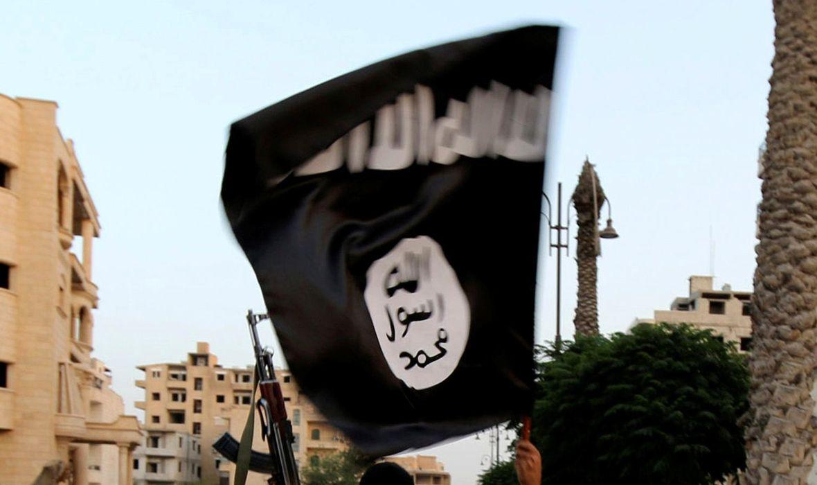 PROPAGANDA ISLAMSKE DRŽAVE PRONAĐENA UZ PODRUČJE GDJE JE VANDALIZIRAN VLAK U BERLINU Nađeno 60 letaka s arapskim simbolima i zastavom Islamske države