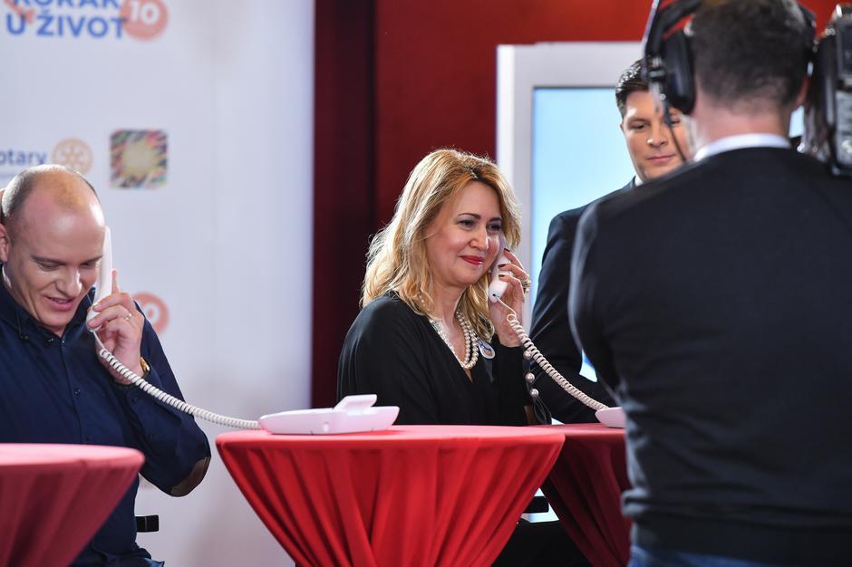 Zagreb: Poznati u call centru primali pozive građana   Autor: Sandra Simunovic/PIXSELL