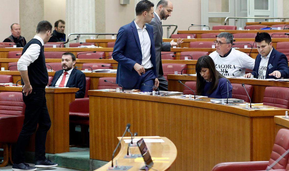 KOLIKO SU ZASTUPNICI BILI AKTIVNI U 2018. Kada bi saborske zastupnike plaćali po učinku, dvoje istaknutih političara ne bi zaradili ni lipe