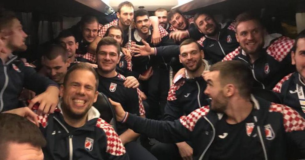 Hrvatski rukometaši slave uz pjesme Daleke obale