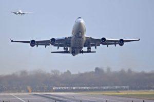 BRITANIJA DONOSI STROŽA PRAVILA LETENJA ZA DRONOVE Proširit će zonu zabrane nakon kolapsa zračnog prometa uoči Božića, a policiji će dati veće ovlasti