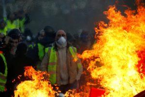 Deseti vikend zaredom 'žuti prsluci' na ulicama Francuske