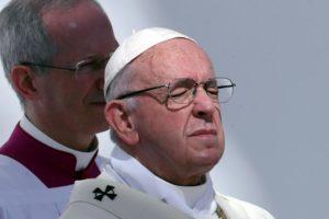 Papa priznao da su svećenici seksualno zlostavljali časne