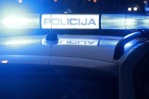 Policija privela dvojicu: Jedan se tukao, drugi pucao iz puške
