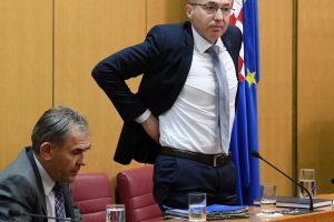 Bačić uoči glasovanja: Većina će odbiti interpelaciju SDP-a