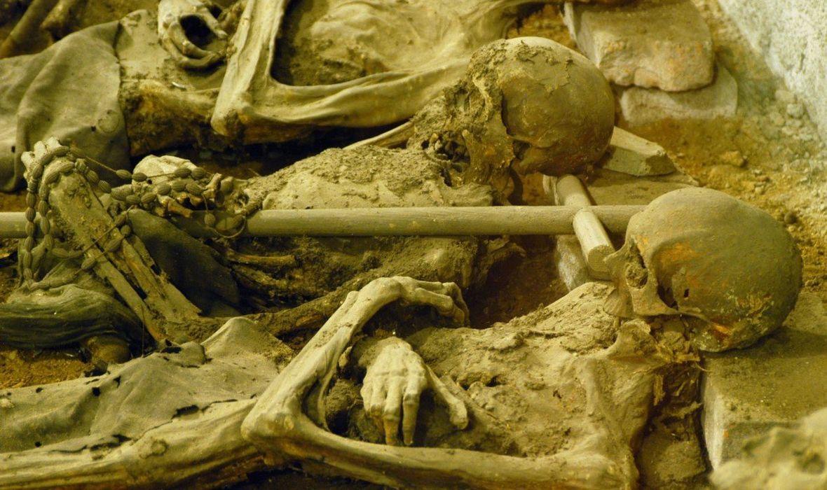 VANDALI ODRUBILI GLAVU 800 GODINA STARE MUMIJE KRIŽARSKOG RATNIKA Provalili su u kriptu crkve i nestali s glavom, nabiskup bijesan