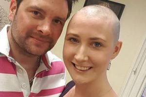 Laura (30) je ostala bez dojke, a u ramenu ima metal i cement