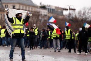 Od 1.000 do 2.000 'žutih prsluka' prosvjedovalo u Parizu