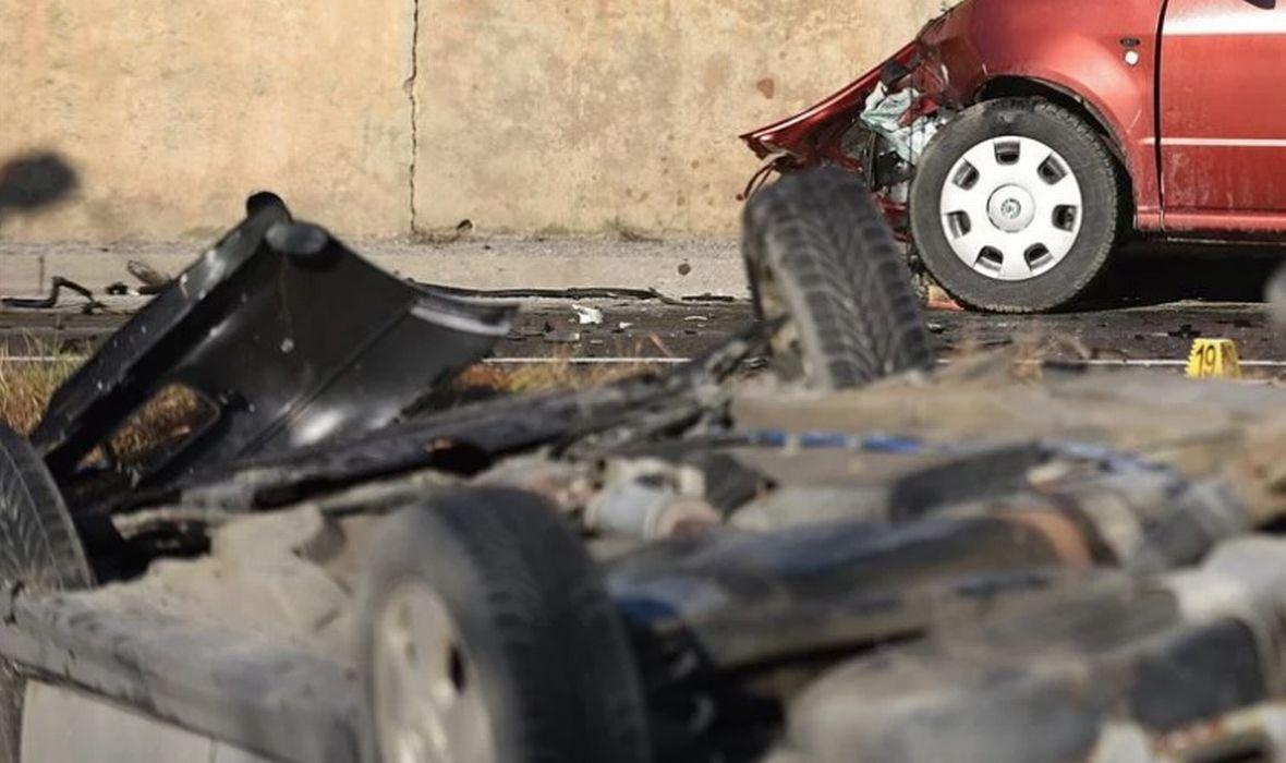 STRAŠNA PROMETNA NESREĆA U PODSTRANI Vozaču pozlilo za volanom, poginuo na licu mjesta: 'Nisam mogla više gledati, strašno je bilo...'