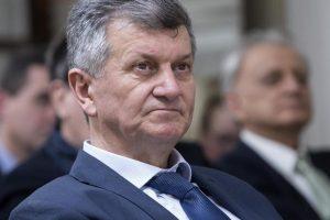Kujundžić novinarki na pitanje o moliteljima: 'Molite i vi malo'