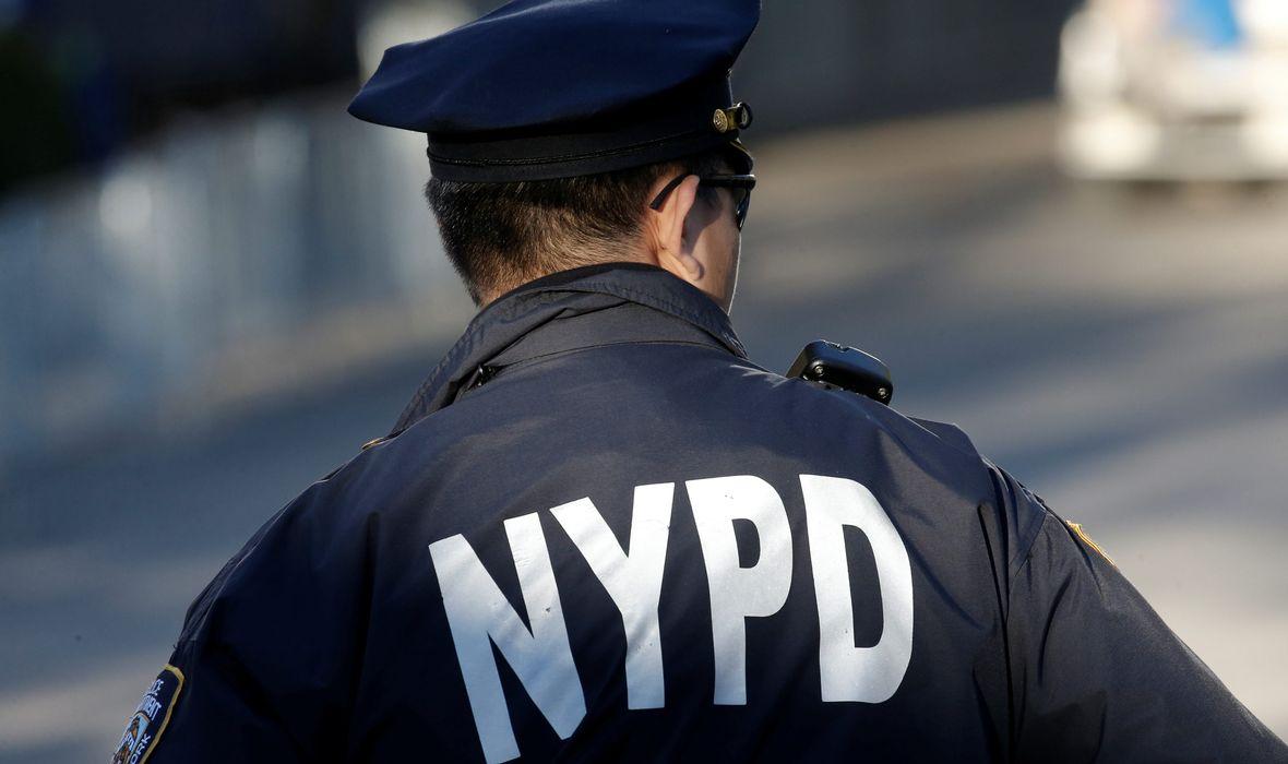 POLICIJA NAMAMILA VANDALA KOJI OBOŽAVA TRUMPA Neumorno je ispisivao grafite u čast Trumpa, a ulovili su ga na zid od šperploče