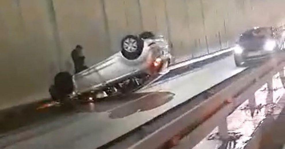 Nesreća u Zagrebu: Auto se na Slavonskoj prevrnuo na krov