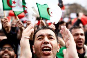 Tisuće prosvjednika na ulicama protiv alžirskog predsjednika