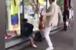 Video šokirao Srbiju: Violinist šutnuo torbu dječaku prosjaku
