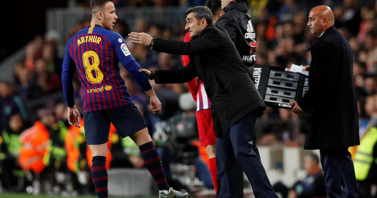Bratu Barceloninog igrača držali nož pod grlom
