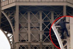 VIDEO, FOTO: SULUDI POTHVAT U PARIZU Evakuirali Eiffelov toranj zbog muškarca koji se po vanjskoj strani penjao na njegov vrh