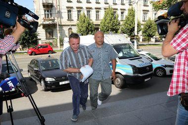 Osijek, 120619. Zupanijski sud. Privodjenje trojice osumnjicenih za pogodovanje i pomaganje u kriminalnom djelu u aferi Kopacki rit. Foto: Ivan Peric / CROPIX