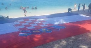 U Gradcu pod morem razvili najveću zastavu na svijetu