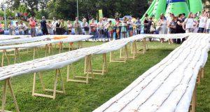 Za Guinness: U Sisku su ispekli najdužu štrudlu na svijetu...