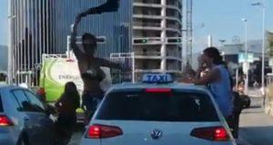 VIDEO: NEVJEROJATNA SNIMKA S JEDNOG OD NAJPROMETNIJIH SPLITSKIH RASKRIŽJA Grupa djevojaka izašla iz taksija i priredila pravi show