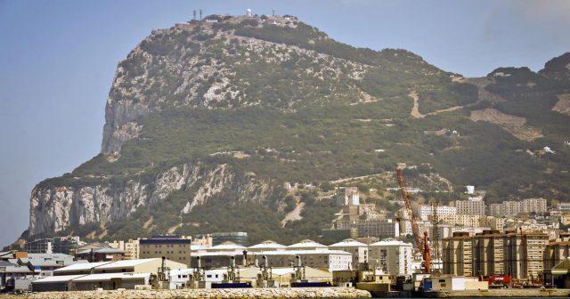Kapetan i prvi časnik iranskog tankera uhićeni u Gibraltaru