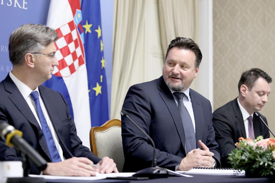 Zagreb: Potpisan ugovor o dodjeli bespovratnih sredstava za uspostavu Centra dijeljenih usluga | Autor: Patrik Macek/PIXSELL
