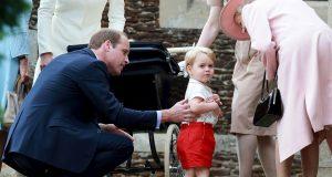 PRABAKA KAO I SVAKA DRUGA Otkriveno kako britanska kraljica uveseljava praunuka Georgea. No, Elizabeta II. ipak nije omiljena prinčeva osoba