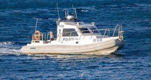 Spašavala je pijanog muža pa pala u more: Žena je preminula