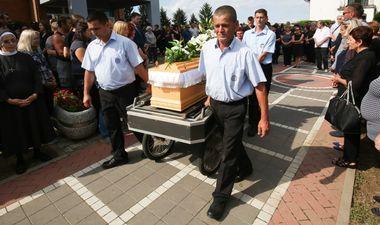 Selci Djakovacki, 110719. Pogreb ubijene socijalne radnice Blazenke Poplasen. Foto: Vlado Kos / CROPIX
