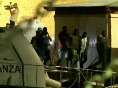 Unatoč zabrani, migrante su pustili da se iskrcaju u Italiji
