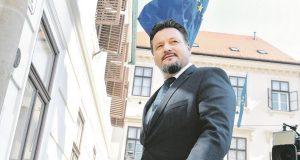 REAKCIJE NA KUŠČEVIĆEVU OSTAVKU Branko Bačić tvrdi: 'Njegov odlazak nema veze s ultimatumom HNS-a'