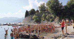 NJIH JE BRIGA... Plivanjem će skupiti dva milijuna eura za robote trenere koji nepokretnu djecu dižu na noge