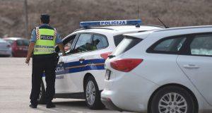 POLJSKI TURIST PAŠKOG POLICAJCA OPTUŽIO ZA NASILJE 'Udario me u glavu, vrijeđao me i prijetio' OGLASILA SE POLICIJA 'Provjeravamo što se dogodilo'