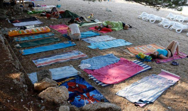 'TKO JOŠ JEDNOM 'REZERVIRA' PLAŽU, PLATIT ĆE 2000 KUNA' Načelnik dalmatinskog mjesta poslao zadnje upozorenje 'okupatorima' s ručnicima