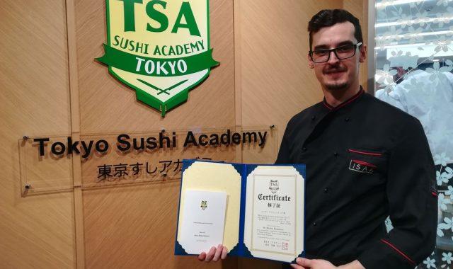 OSOBA S PLANOM: Ovaj mladi sushi majstor završio je najbolju japansku školu, a upravo je objavio recepte u novoj kuharici koje svatko može pripremiti!