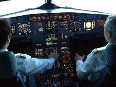 Ima li pilota u avionu? Prolio je kavu pa morali prisilno sletjeti
