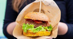 Isprobali smo Beyond Burger - prvi veganski burger na svijetu!