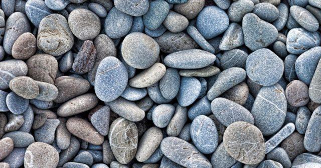 Plastika ili kamenčići s plaže: Piroplastika, novi oblik plastične polucije