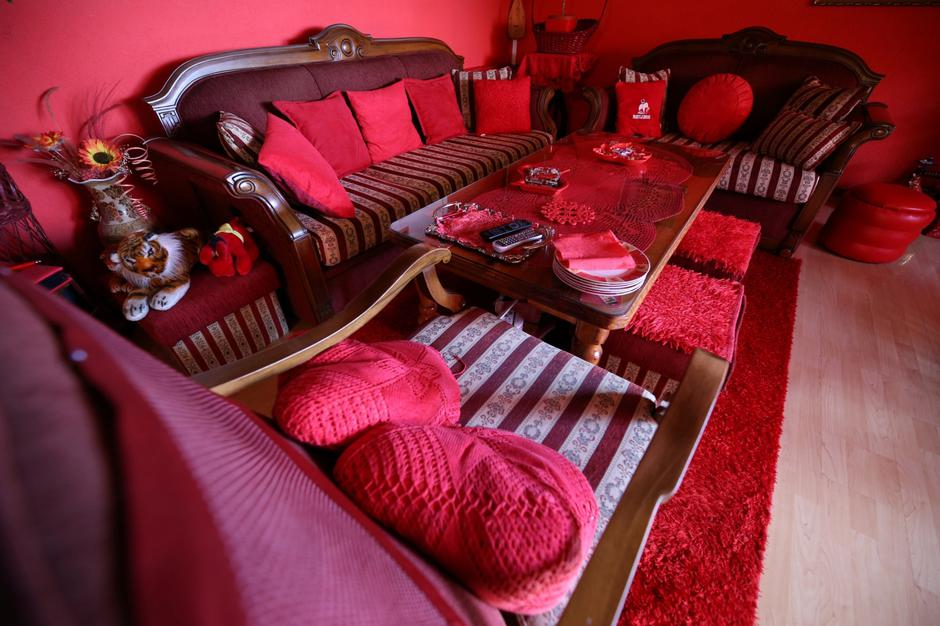 Zorica Rebernik's sitting room is seen in her house in the village of Breze near Tuzla | Autor: DADO RUVIC/REUTERS/PIXSELL/REUTERS/PIXSELL
