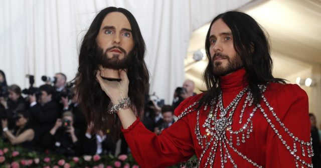 Jared ostao bez glave: Izgubio torbicu koja košta 75.000 kuna