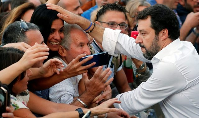 SALVINI PREDVODIO GOLEMI DESNIČARSKI SKUP U RIMU 'Ovo je Italija koja radi i pati, sanja i nada se!'