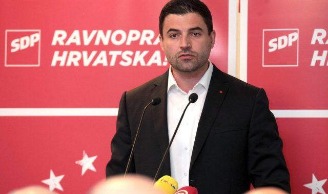 BERNARDIĆ NA GLAVNOM ODBORU SDP-A 'HDZ ne samo da je iznajmio Sabor za stranački dernek, iznajmili su cijelu Hrvatsku i uništavaju je'