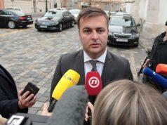 TOMISLAV ĆORIĆ O SKUPOM NEBODERU 'Ministar se ne bavi ni najmom prostora i opreme ni ugovaranjem čišćenja niti bilo čime sličnim'