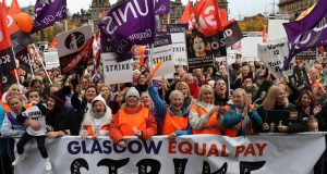 Za isti posao žene u EU zarade 16% niže plaće od muškaraca