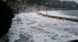 Velike poplave u Francuskoj: Najmanje četvero ljudi je mrtvo