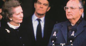 HEROJI I GUBITNICI '89.: KAKO JE ISTOK PREŠAO NA ZAPAD Pad Željezne zavjese Gorbačova je oduševio, Putina rasplakao, a Željeznu Lady duboko zabrinuo