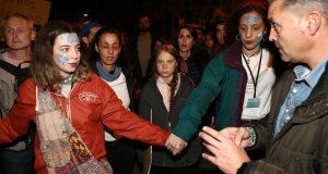 NA PROSVJEDU I GRETA THUNBERG Tisuće ljudi u Madridu izašlo na ulice kako bi upozorili na klimatske promjene: 'Ne možemo više čekati, ljudi umiru'