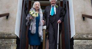 Udala se za beskućnika kojeg je hranila pa joj umro za 3 godine